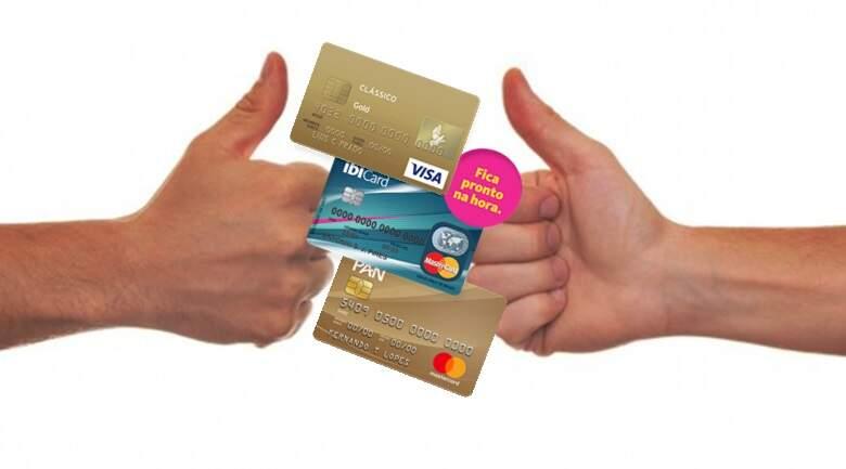 Cartão de crédito para negativado ou sem comprovante de renda. Foto/Montagem