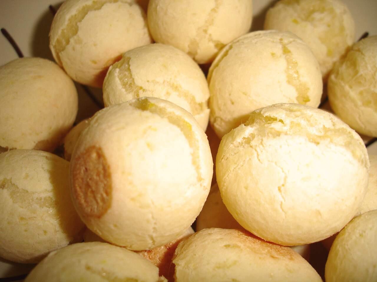 pão de queijo de liquidificador de padaria